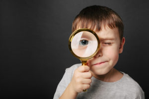 magnifying glass object lesson 300x200 - Anniversaire Digital